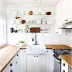 Desain Dapur Minimalis Mungil Sederhana Modern Type 2x2 Warna Cat putih Terbaru