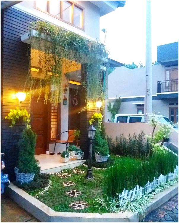 Desain mungil taman depan rumah minimalist lahan sempit terbaru