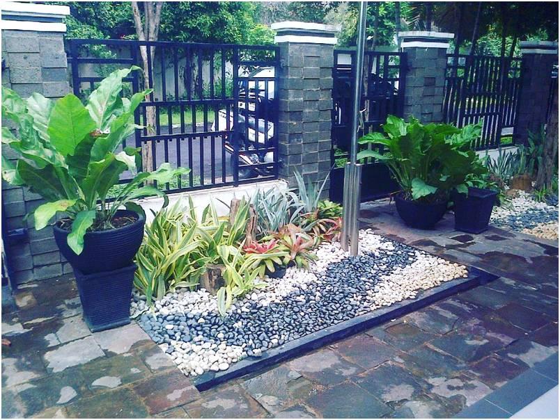 Desain terbaru taman depan rumah minimalis sederhana modern lahan sempit