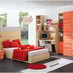 dekorasi desain kamar tidur kecil minimalis sederhana sempit merah mewah modern elegant terbaru