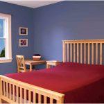 dekorasi desain kamar tidur kecil minimalis sederhana sempit merah nyaman terbaru