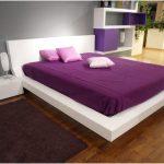 dekorasi desain kamar tidur kecil minimalis sederhana sempit modern mewah elegant nyaman warna ungu terbaru