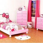 dekorasi desain kamar tidur kecil minimalis sederhana sempit modern perempuan tampak luas unik warna pink terbaru