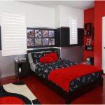 desain kamar tidur kecil minimalis sederhana merah laki laki terbaru