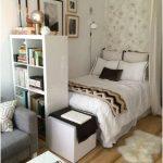 desain kamar tidur kecil minimalis sederhana unik terlihat luas putih terbaru
