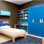 desain kamar tidur kecil minimalis sederhana warna biru anak laki laki modern terbaru