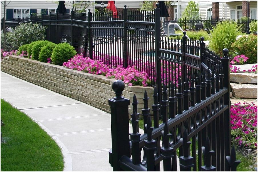 desain pagar rumah minimalis cantik metal besi mewah modern elegan terbaru