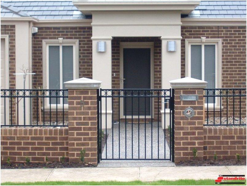 desain tembok pagar rumah minimalis mewah klasik terbaru