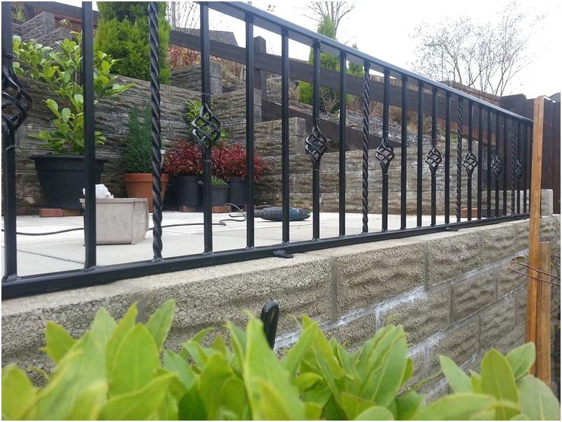 konsep model desain pagar rumah minimalis metal besi mewah modern elegan terbaru