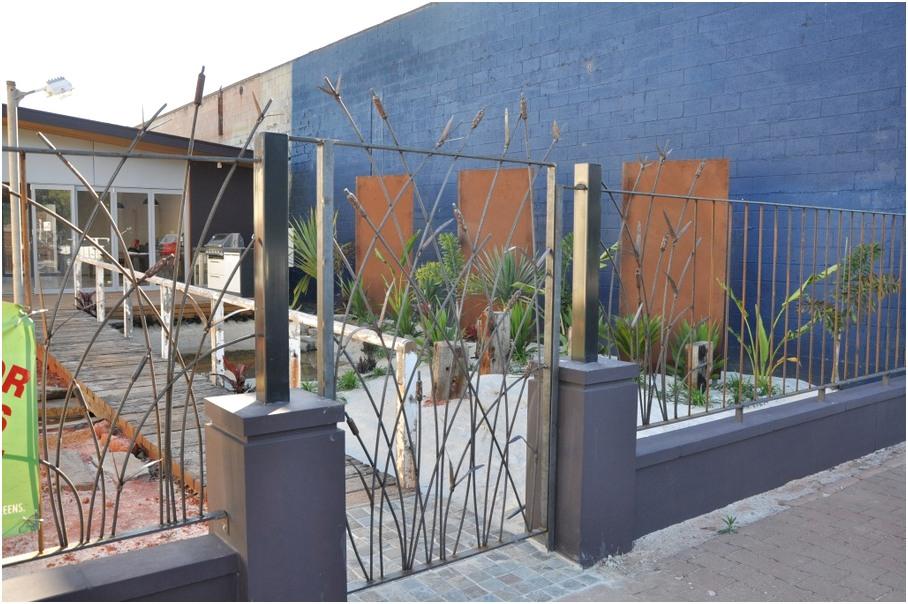 unik desain pagar rumah minimalis besi anti maling mewah modern klasik elegan nyaman mempesona terbaru
