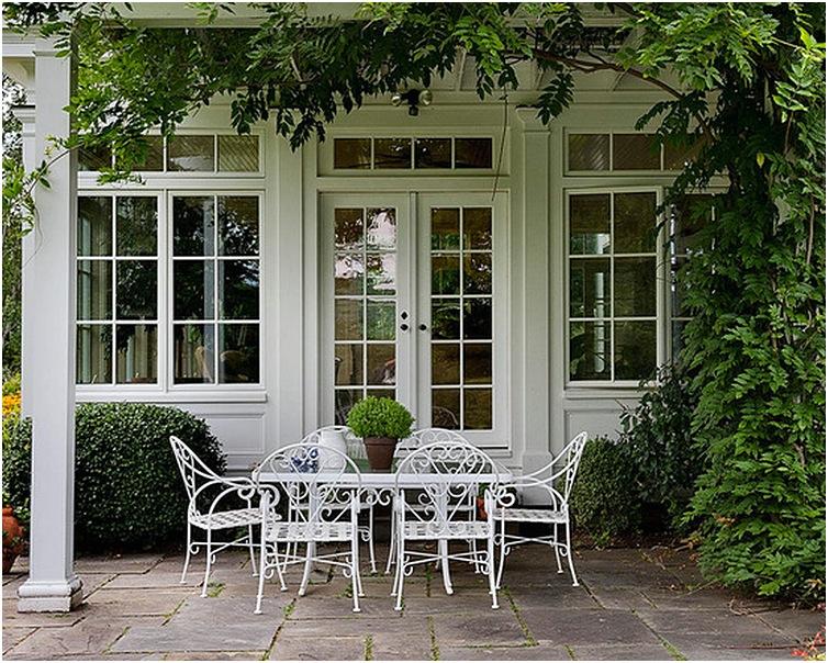 Model Jendela Rumah Bagian Depan Nampak Klasik