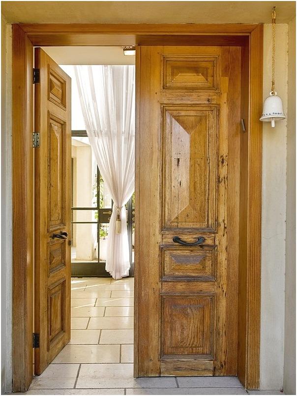 Model pintu rumah 2 pintu dari kayu terbaru