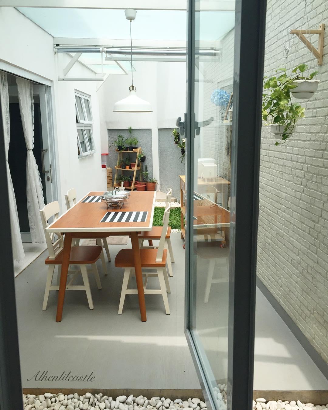 Ruang Keluarga Menyatu Dengan Ruang Makan Minimalis