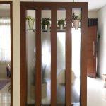Partisi Penyekat Ruangan Rumah Minimalis Modern Kayu Dan Kaca