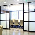Partisi Ruangan Meeting Kantor