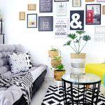 Desain Ruang Tamu Ruang Tamu Sederhana Dengan Sofa Unik Juga Menaruh Pohon