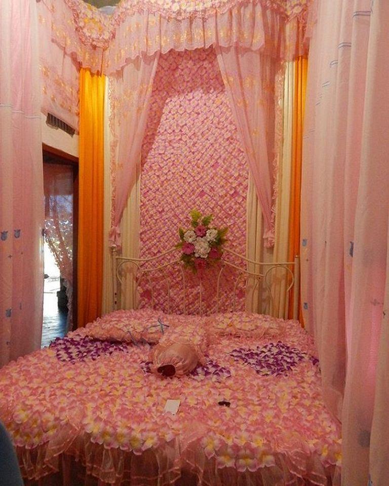 Gambar 2 dekor pengantin 37 dekorasi kamar pengantin for Dekor ultah di kamar hotel