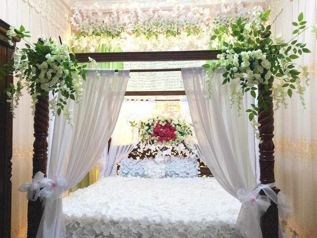 37 dekorasi kamar pengantin sederhana yang romantis 2018 for Dekorasi kamar pengantin di hotel