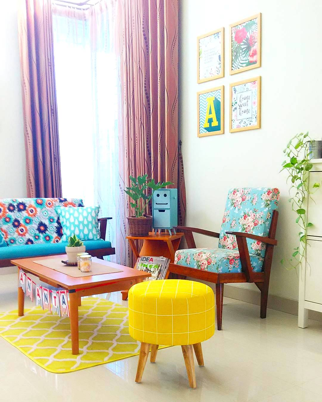 Dekorasi Ruang Tamu Sederhana Tanpa Kursi Desain Rumah Minimalis