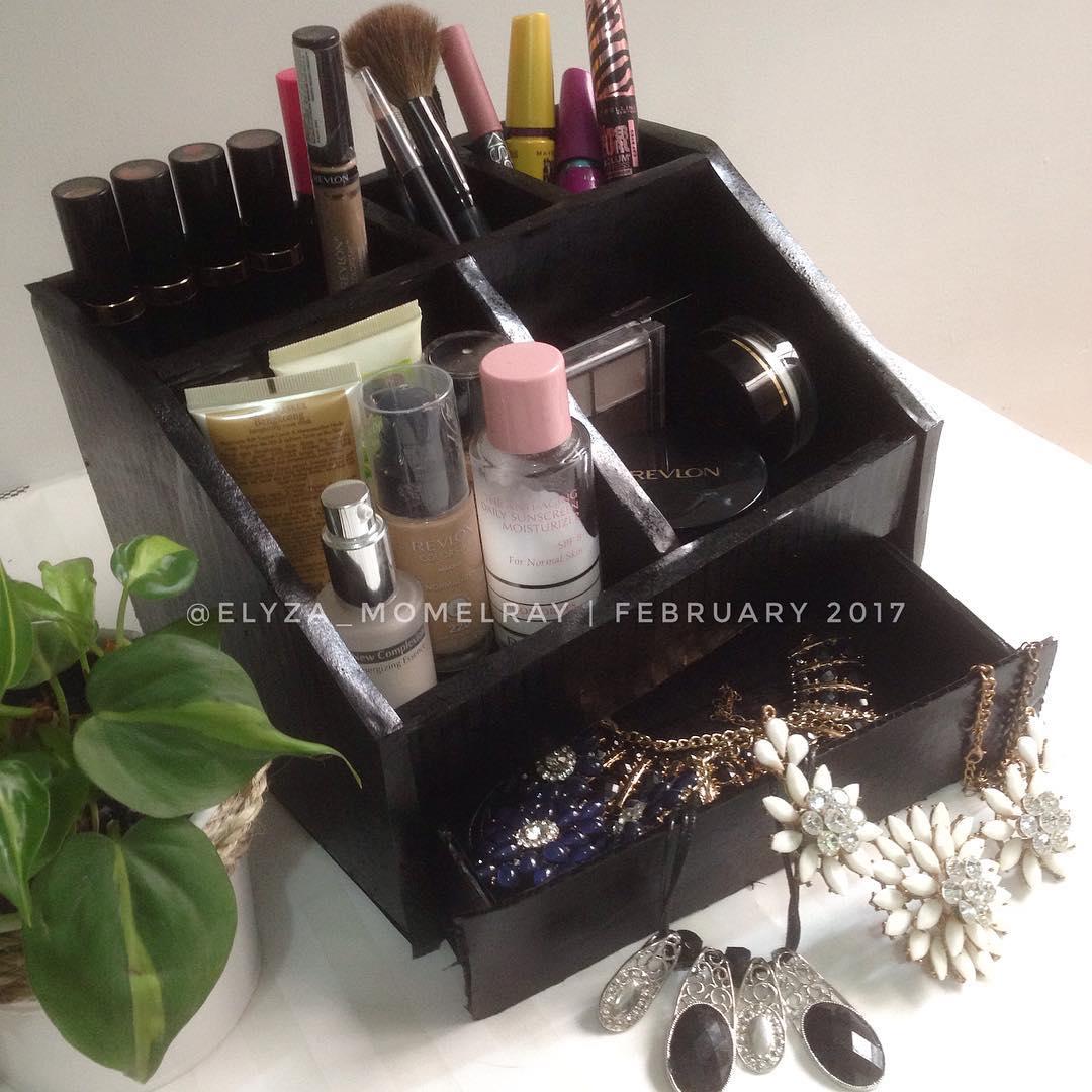Tutorial Cara Membuat Rak Make Up Organizer Kosmetik Dari Kardus Beserta Gambar