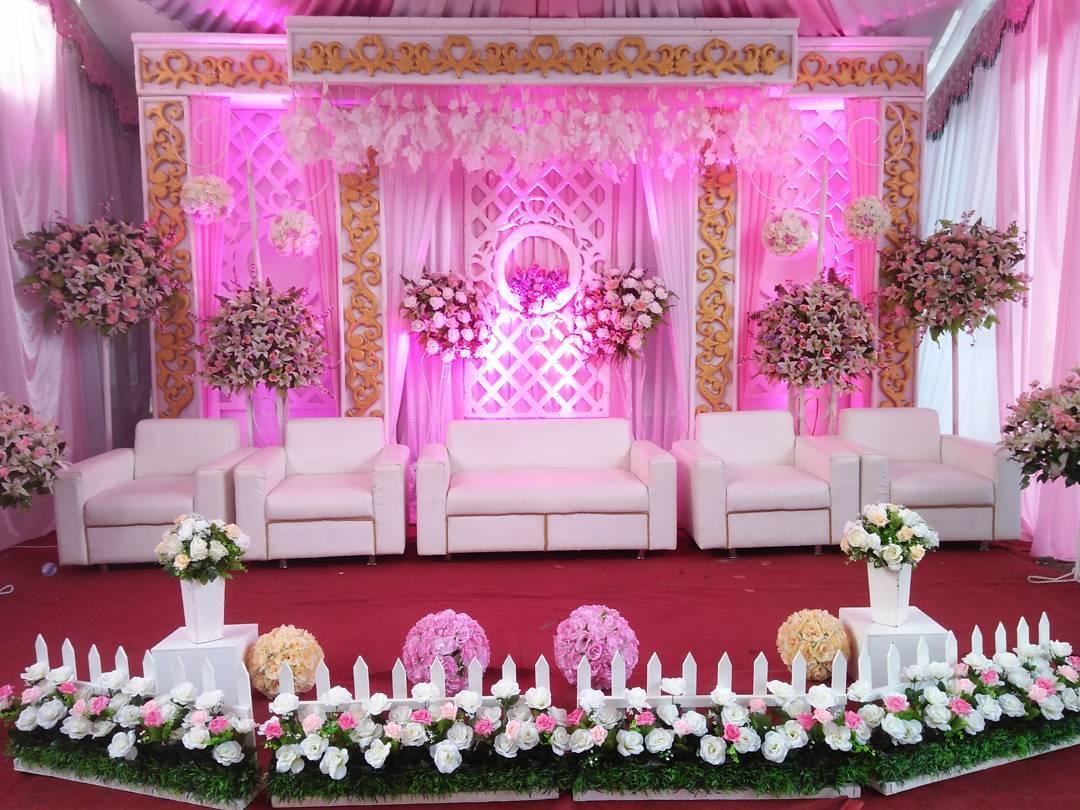 Contoh Dekorasi Pernikahan Sederhana Terbaru Romantis