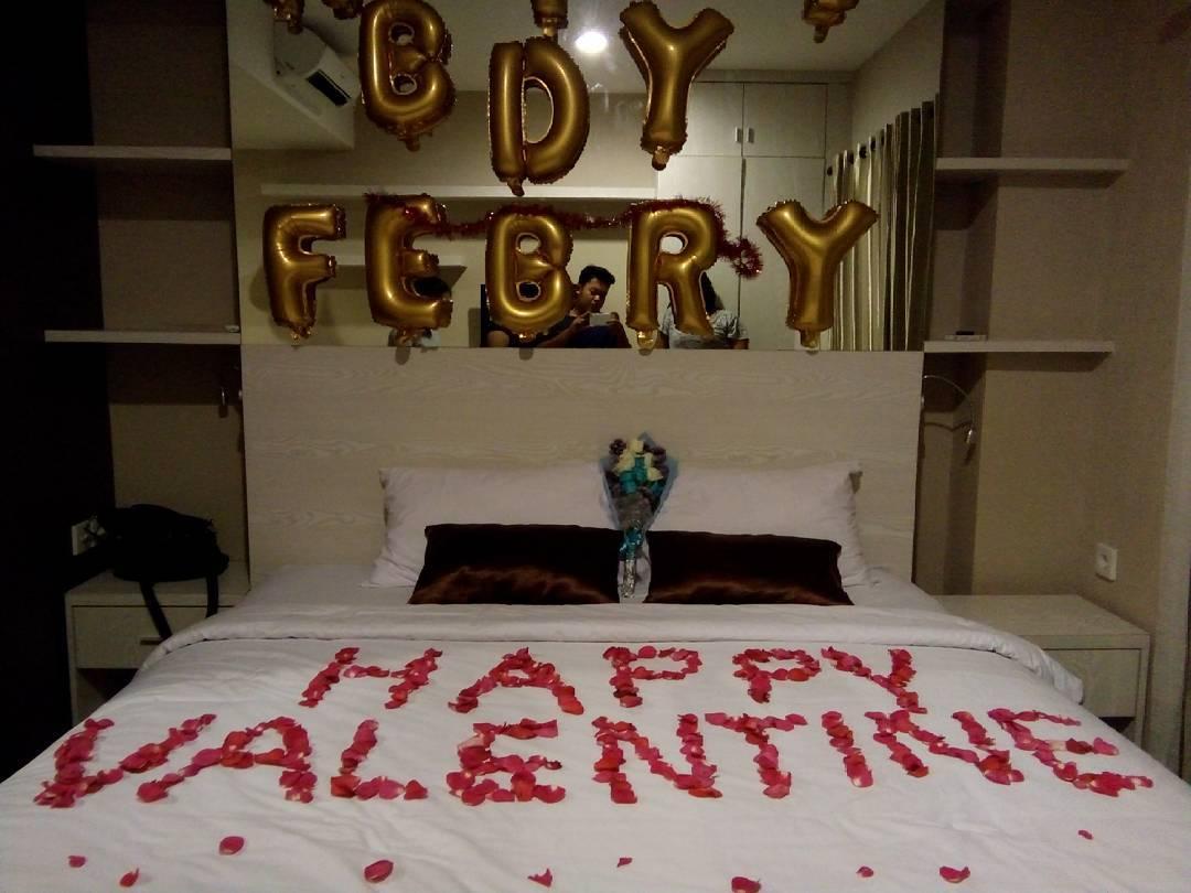 14 dekorasi kamar ulang tahun romantis lagi ngetrend 2018 for Dekor kamar hotel