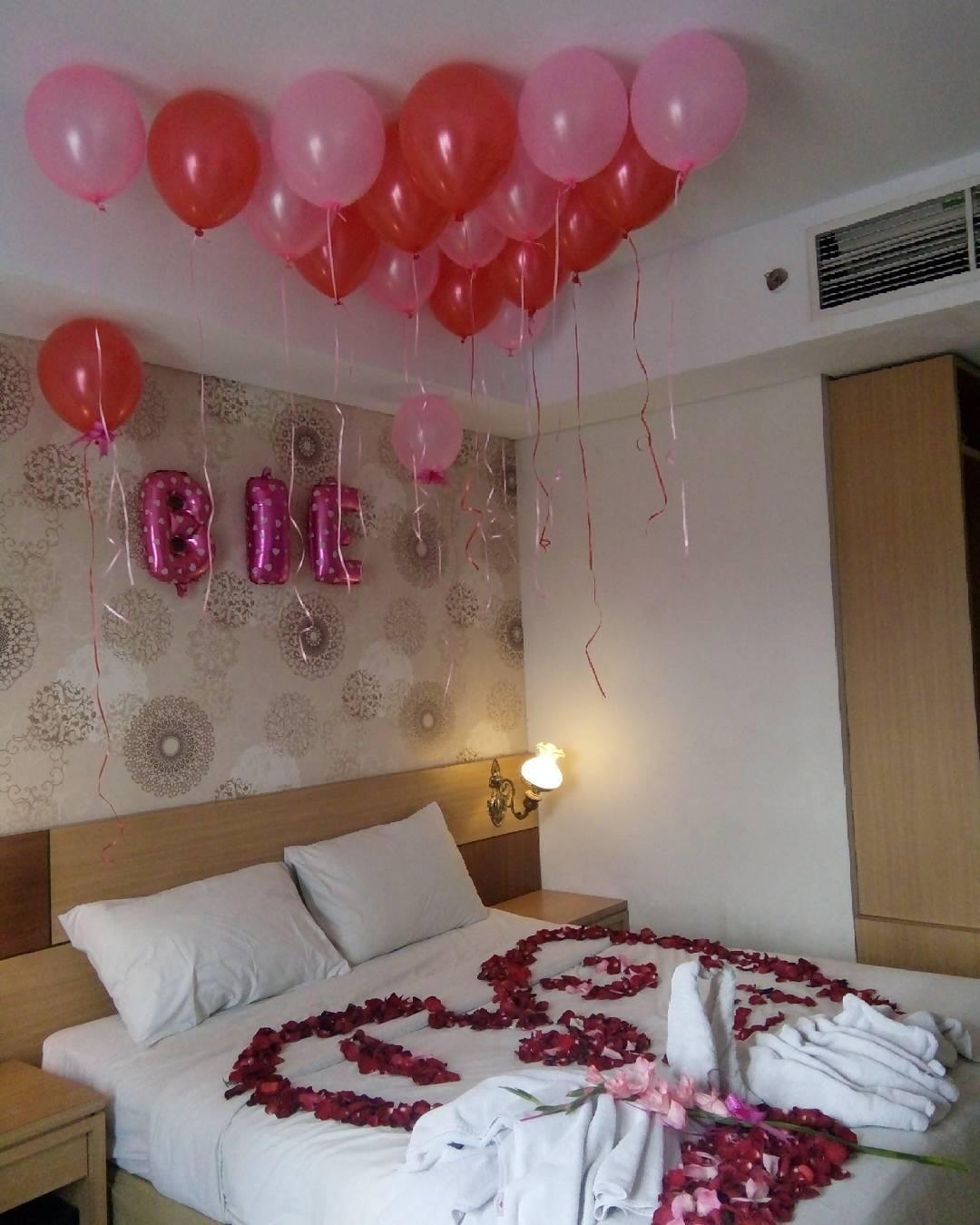 14 dekorasi kamar ulang tahun romantis lagi ngetrend 2018 for Dekor kamar hotel buat ulang tahun