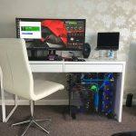 Desain Meja Komputer Minimalis Dengan Kursi Keren