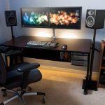 Desain Setup Gaming Dengan Meja Komputer Yang Nyaman