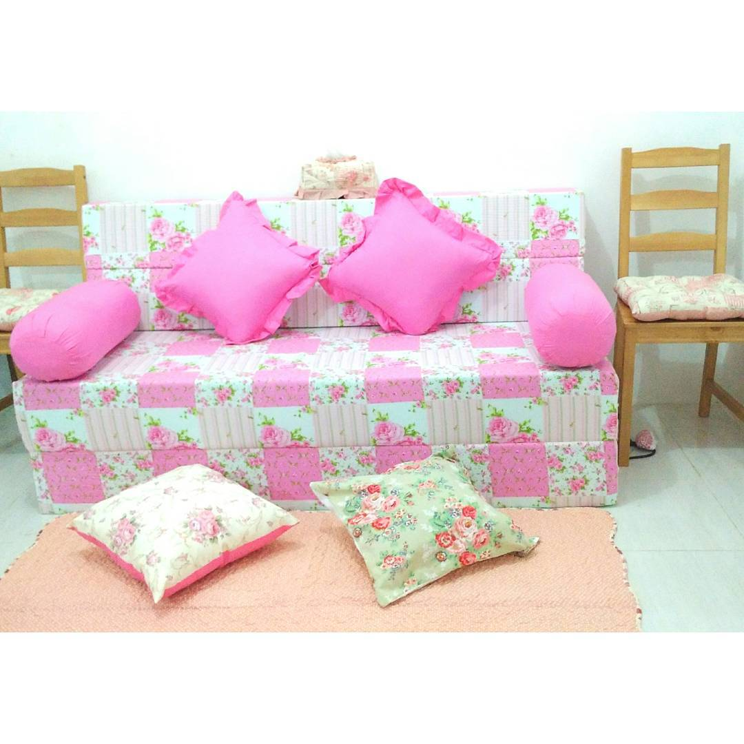 Model Sofa Bed Inoac Shabby Chic