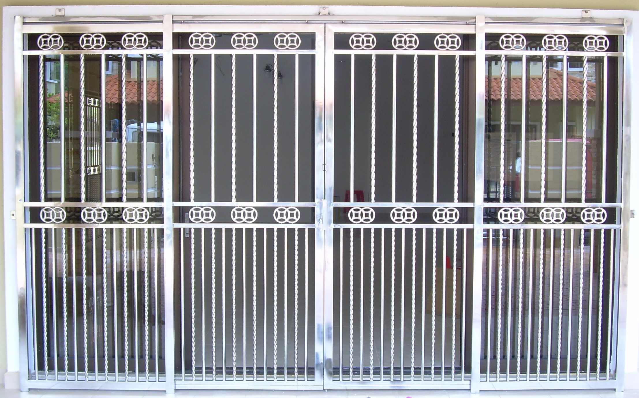 Modern aluminum window grill design home image for Modern house grill design