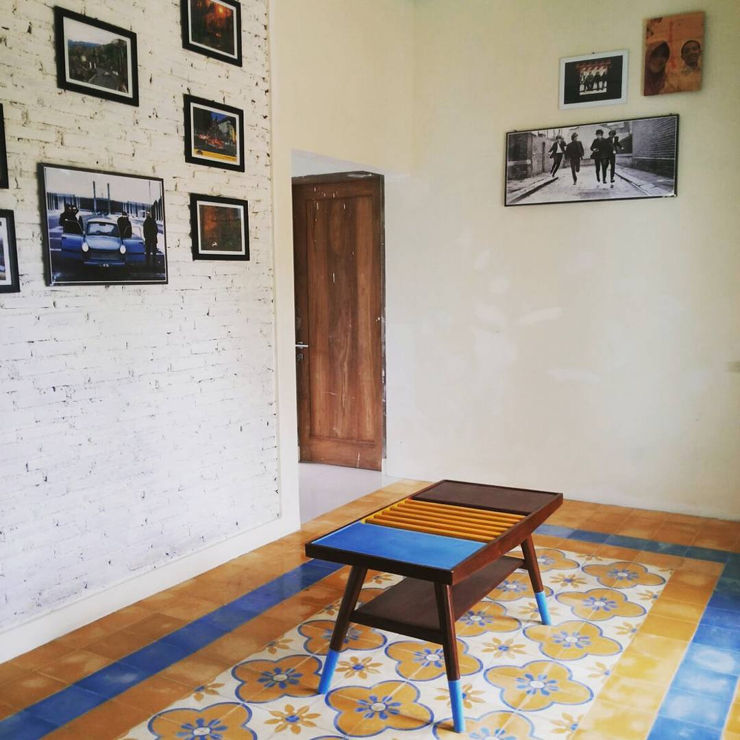 Lantai  Ruang Tamu Lebih Tinggi Dari Ruang Keluarga