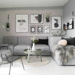 Dekorasi Dinding Ruang Tamu Dengan Foto