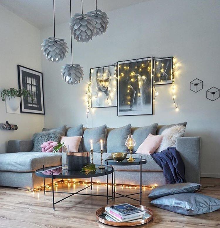 Dekorasi Dinding Ruang Tamu Dengan Lampu Tumbler Terbaru