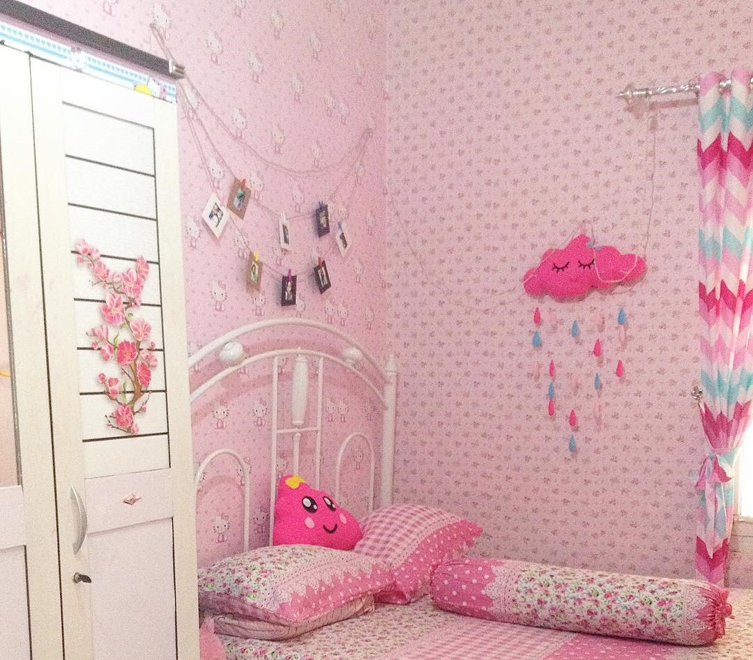 Dekorasi Kamar Tidur Perempuan Dengan Wallpaper Dinding Kamar Tidur ...