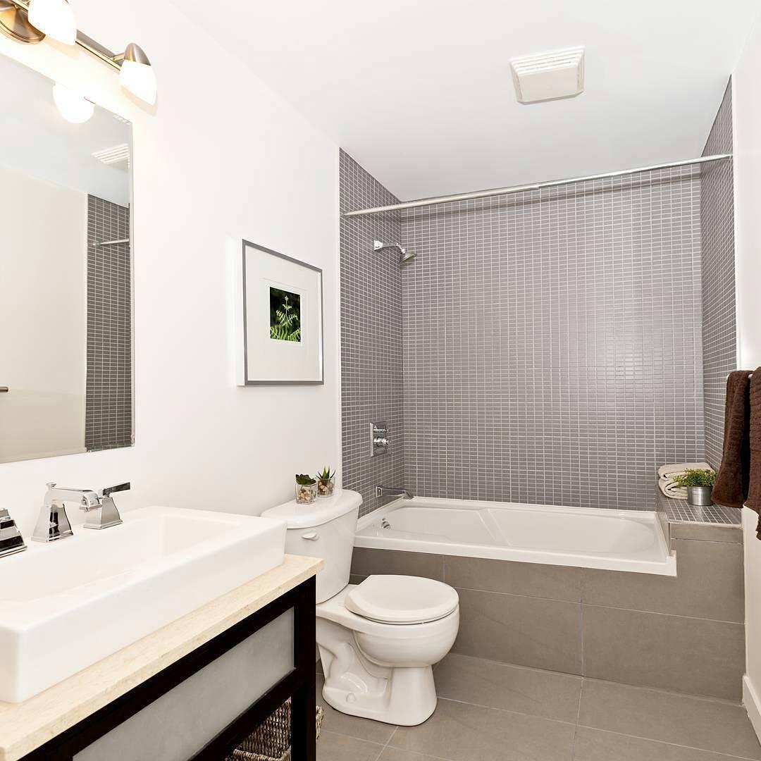 Фото дизайна ванны комнаты с крашенными стенами
