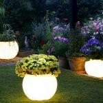 Desain Lampu Taman Malam Hari Berbentuk Bulat