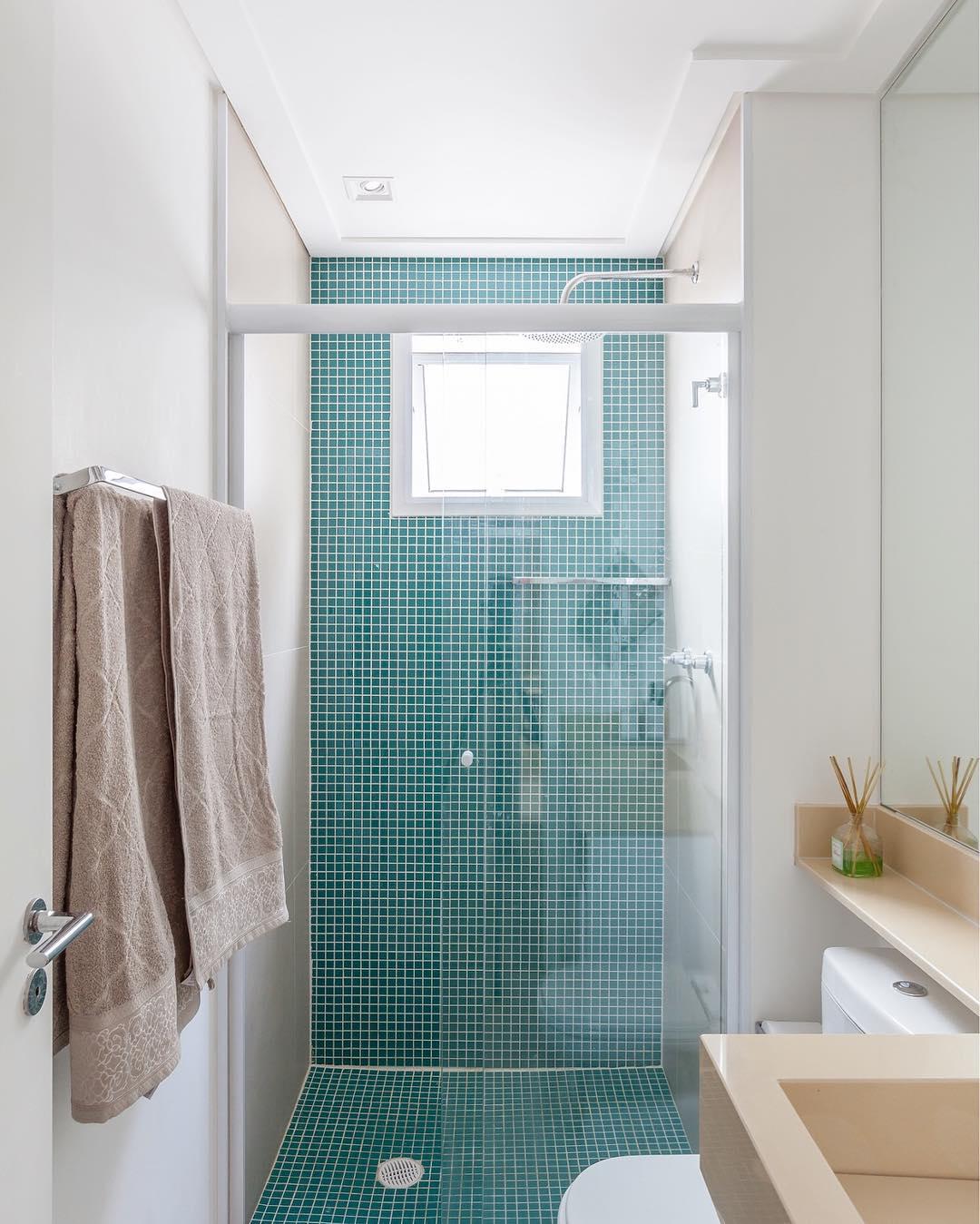 Keramik lantai kamar mandi warna biru desain rumah for Dekor kamar hotel ulang tahun