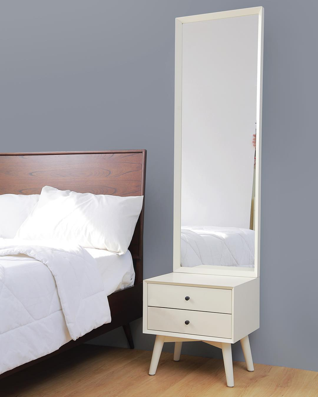 Meja Kamar Tidur Minimalis Tempat Rias Modern