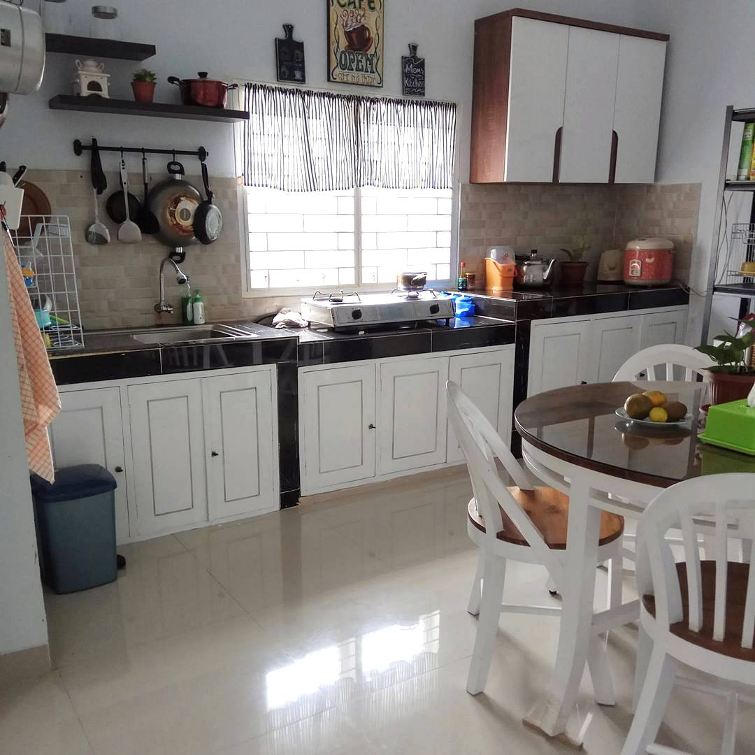 Model Dapur Sederhana Dengan Lemari Gantung