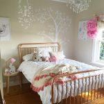 Wallpaper Dinding Kamar Tidur Anak Perempuan Minimalis Berbentuk Pohon Unik Kreatif