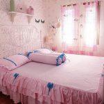 Wallpaper Dinding Kamar Tidur Shabby Chic Dengan Kombinasi Yang Bagus