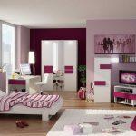 Deko Bilik Tidur Pink Perempuan