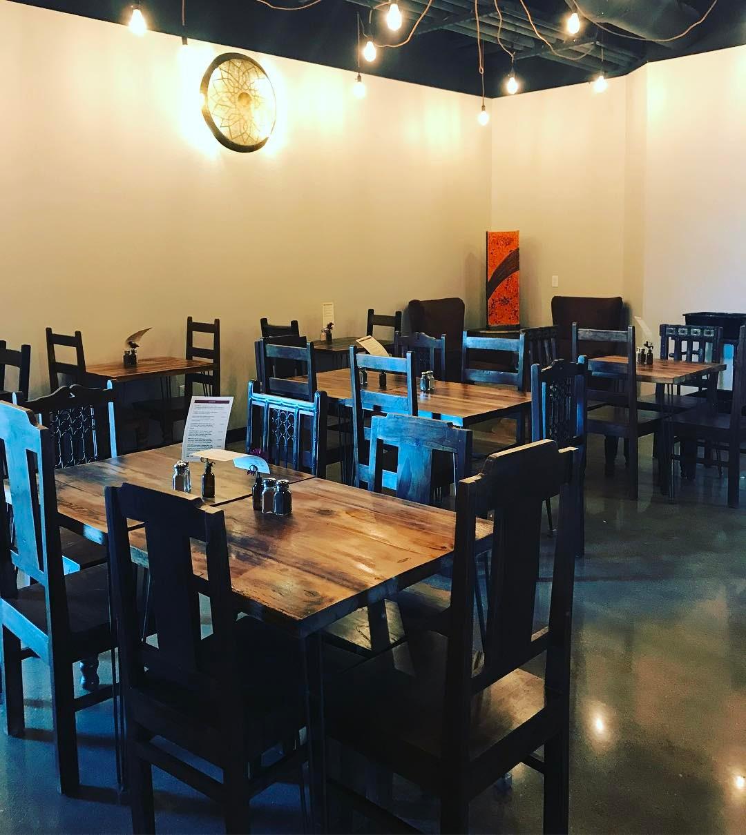 35 Desain Meja Kursi Cafe Minimalis Terbaru 2019 Dekor Rumah