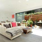 Desain Ruang Keluarga Menyatu Dengan Taman