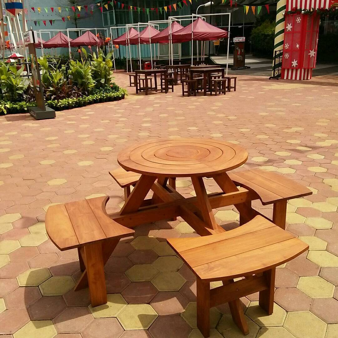 35 Desain Meja Kursi Cafe Minimalis Terbaru 2018