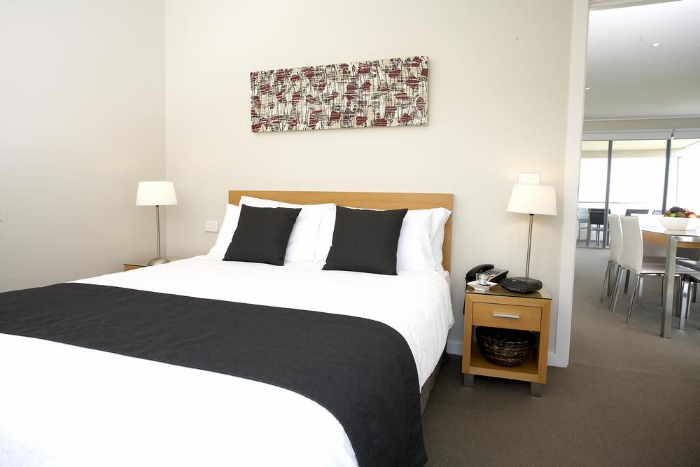 18 Desain Kamar Tidur Apartemen Minimalis Terbaru 2021 ...