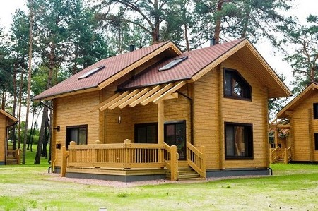 Desain Rumah Kayu Mungil