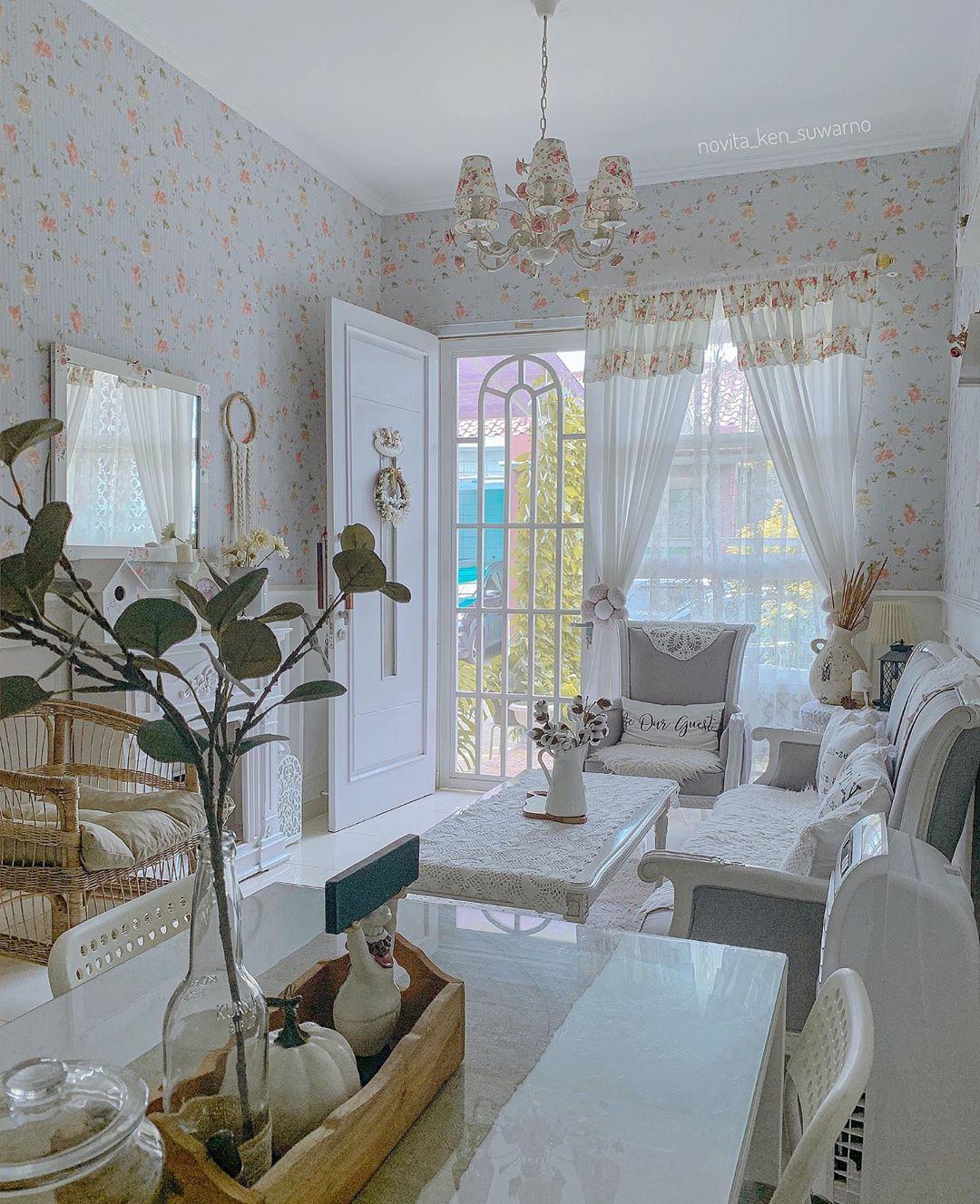 Wallpaper Dinding Ruang Tamu Minimalis Motif Bunga Rumah Shabby