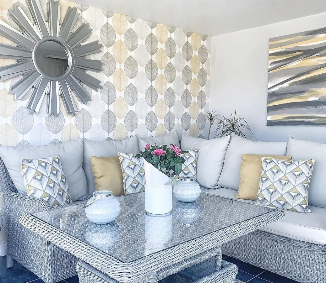 Wallpaper Dinding Ruang Tamu Minimalis Motif Daun